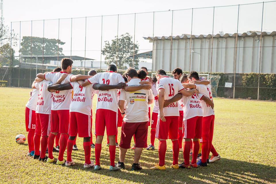 Semifinais do Campeonato de Futebol do Johnson Clube classificam Redbull Aliança e Farma
