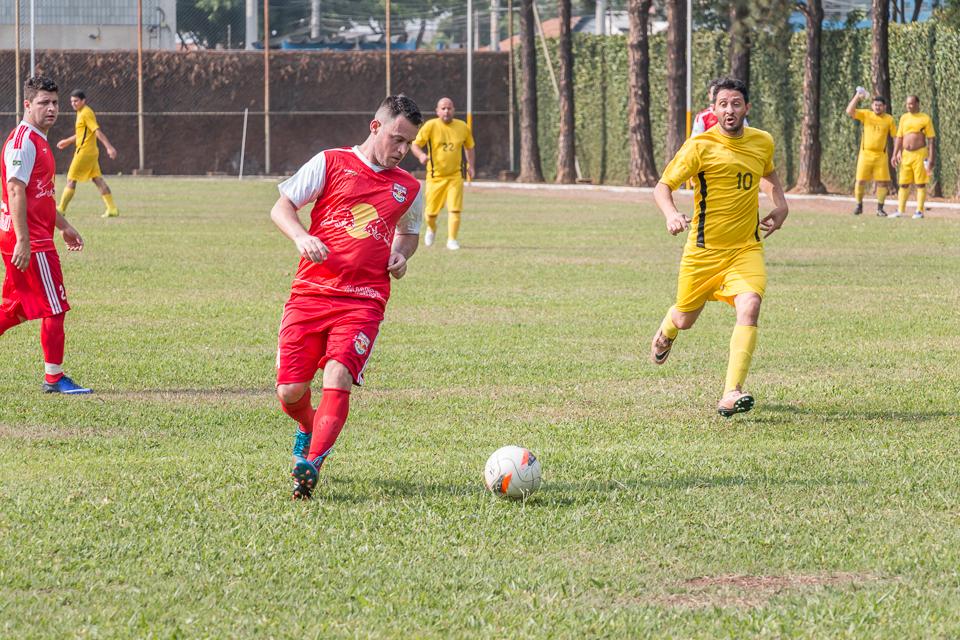 Quatro equipes se enfrentaram no último domingo na Copa Johnson Clube de Futebol 2016